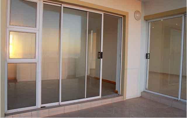 Офисные алюминиевые двери
